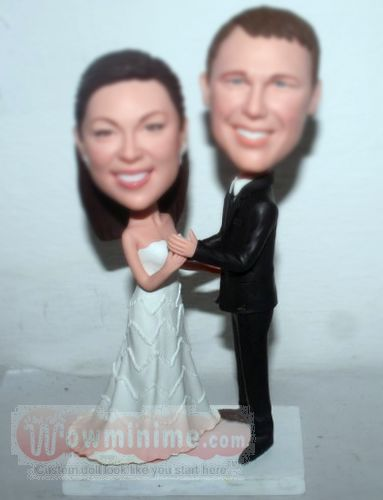 Dancing wedding cake toppers BW16