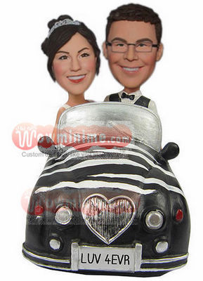 Sitting in car cake toppers BW54